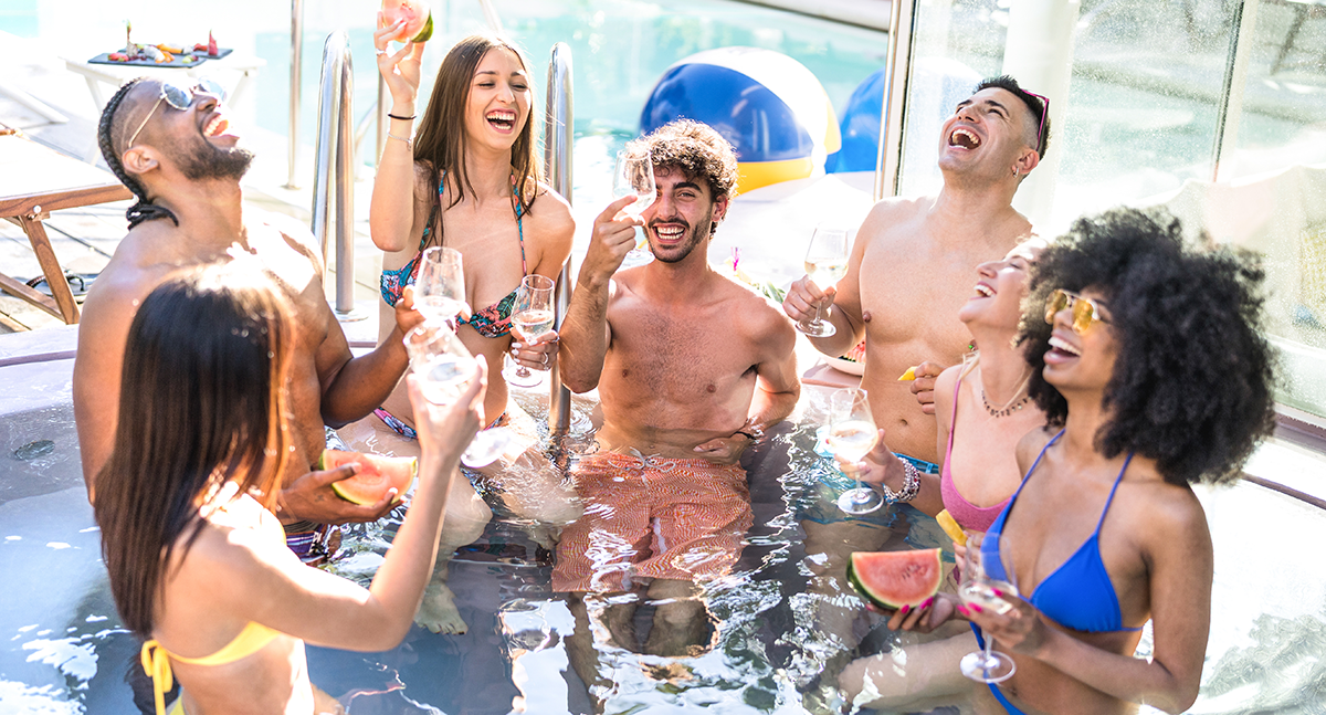 10 Essentials for Your End of Summer Pool Party