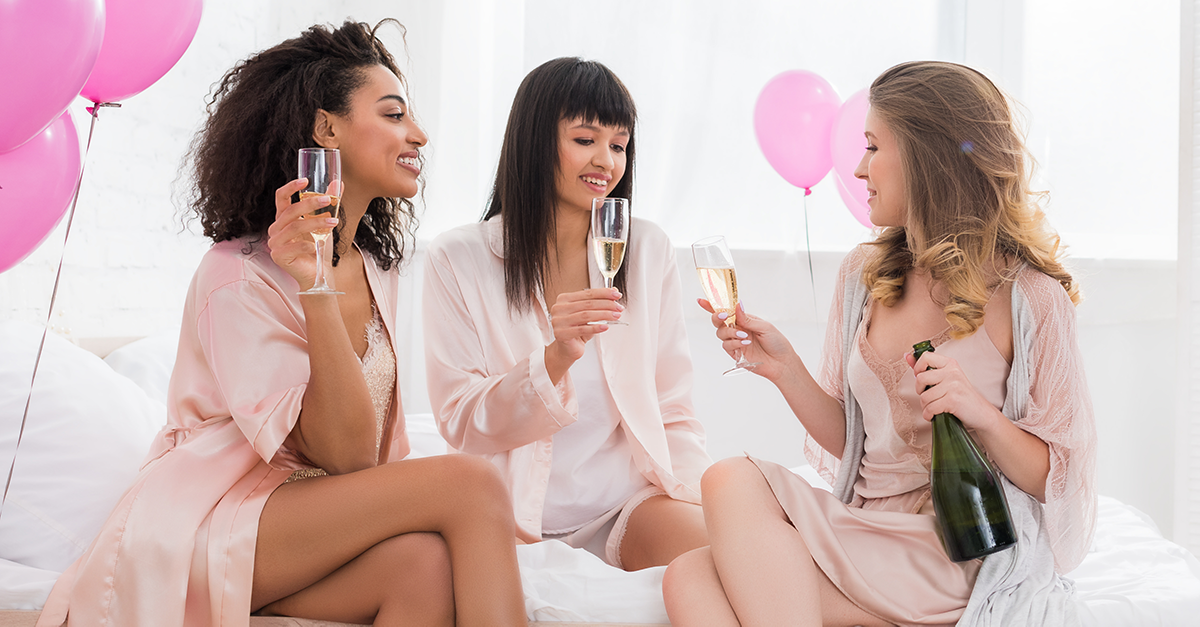 6 REASONS TO CELEBRATE ALL YOUR FRIENDSHIPS THIS VALENTINES DAY