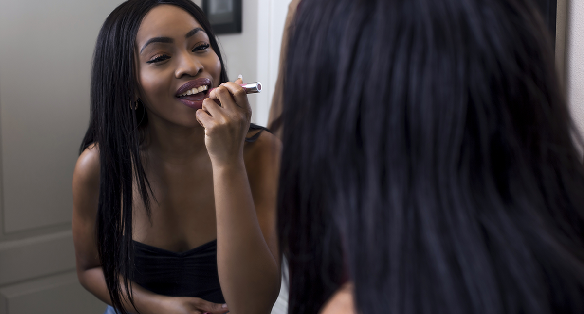 How to Do Makeup for a First Date