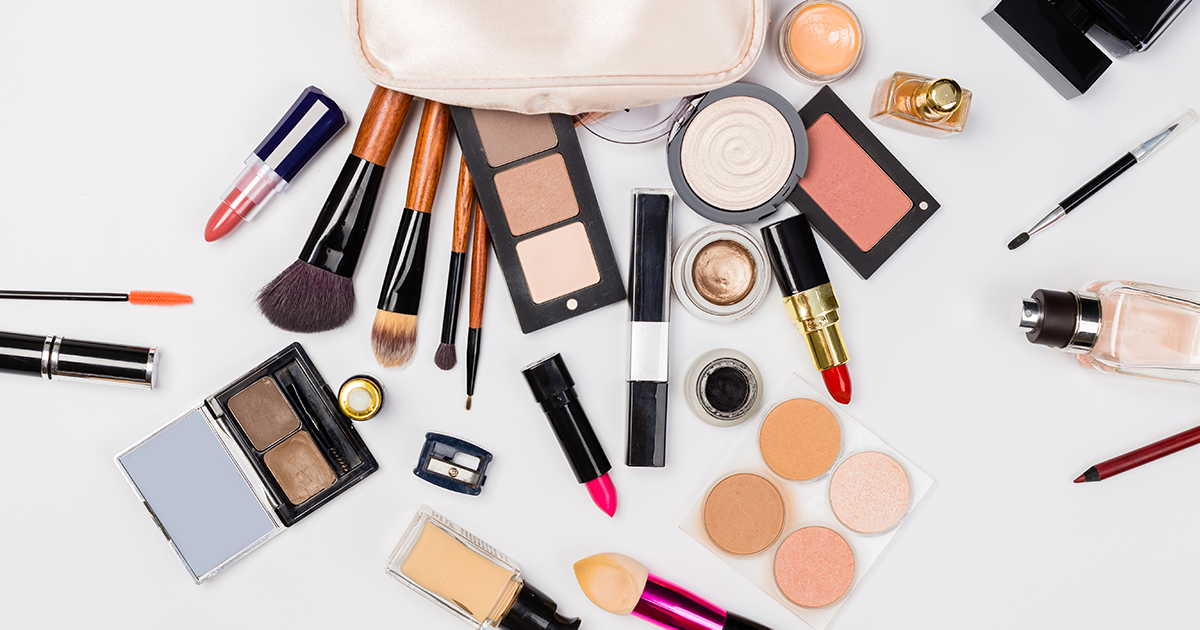 How to Quickly Declutter Your Makeup Bag