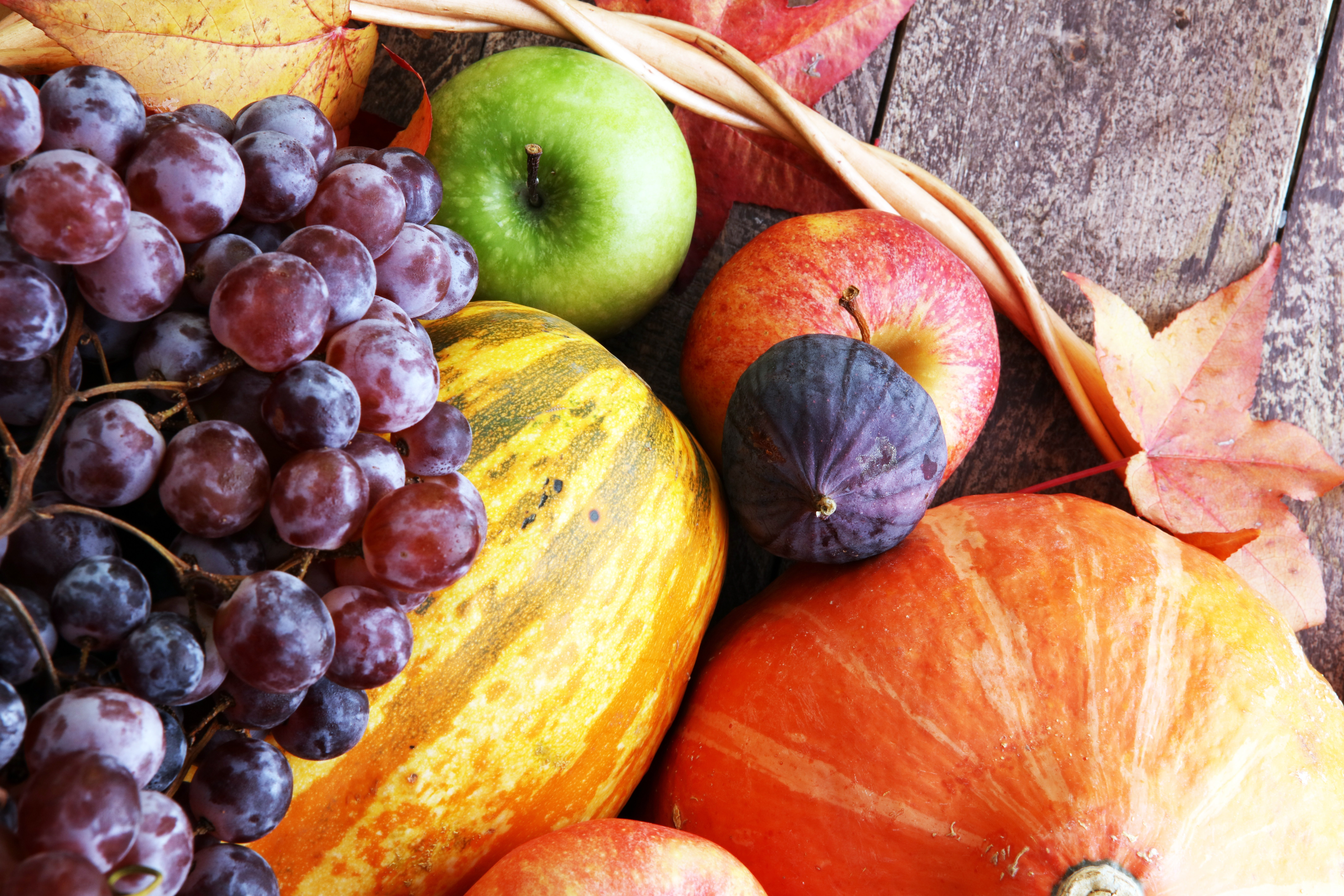 10 Nutritious & Delicious Fall Foods to Eat Right Now