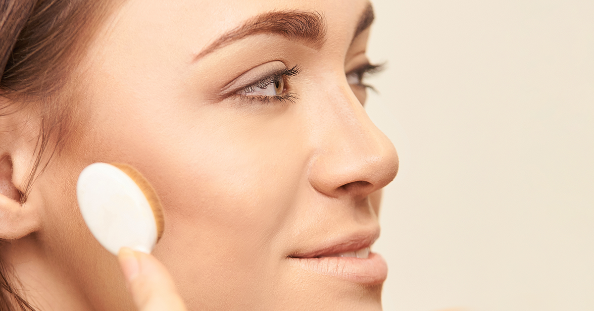 What is Tantouring? How to Contour Your Face with Self-Tanner