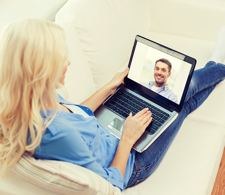 Here's How to Date Successfully in the Digital Age